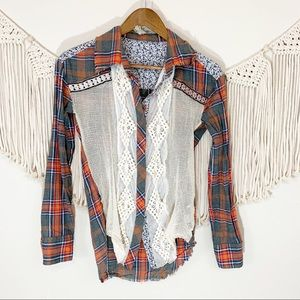 Gimmicks By BKE Boho Beaded Lace Flannel